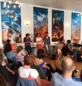 Conférence sur la professionalisation du massage en France.